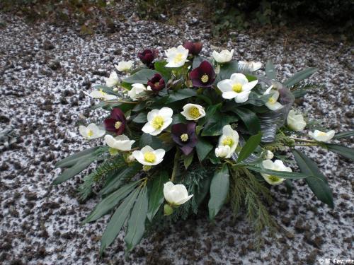 Gesteck- gut-  Beerdigung Frey 2-10